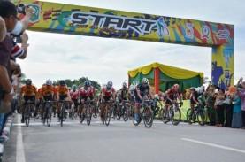 Diselimuti Kabut Asap, Balap Sepeda Tour de Siak Jalan…