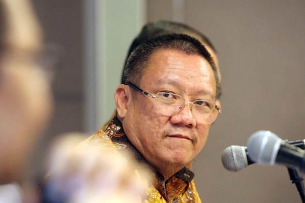 Direktur Utama PT Buyung Poetra Sembada Tbk Sukarto Bujung memberikan penjelasan mengenai kinerja perusahaan seusai rapat umum pemegang saham tahunan di Jakarta,Selasa (5/6/2018). - JIBI/Dedi Gunawan