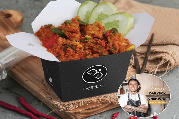 Memori Masa Kecil Jadi Citarasa Ayam Woku Ala Chef Juna Di Dailybox Traveling Bisnis Com