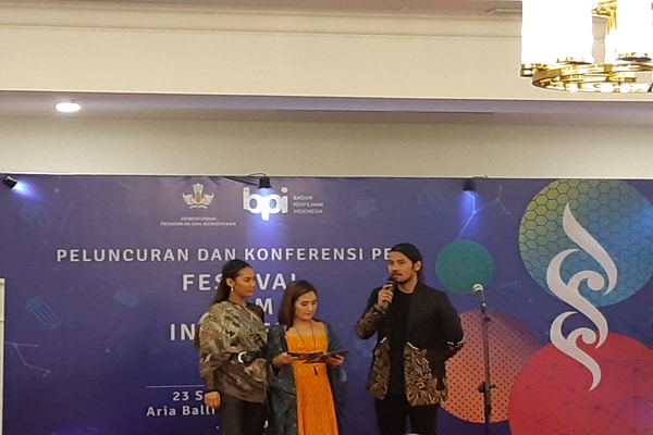 Tara Basro dan Chicco Jerikho di Press Conference Festival Film Indonesia 2019 di The Tribrata, Jakarta Selatan pada Senin (23/9/2019) - Bisnis.com - Ria Theresia Situmorang