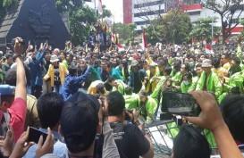 Demo Tolak RKUHP: Mahasiswa di Semarang Paksa Masuk ke Kantor Gubernur Ganjar