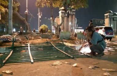 Gedung DPR Mulai Dibersihkan dari Imbas Demonstrasi Selasa 24 September