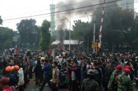 Redam Demo Pelajar SMK, Polisi Ajak Ber-Selfie Ria