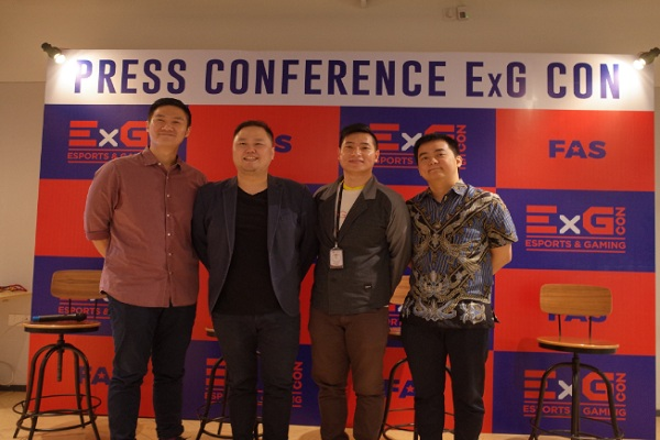 Dari kiri ke kanan, Aoura Lovenson Chandra selaku CEO Famous Allstars, Alex Wijaya selaku Business Director Famous Allstars, Wjaya Nugroho selaku Business Development, Esports Manager Garena Indonesia, dan Andrian Pauline selaku CEO RRQ saat acara Press Conference Esports and Gaming Convention (ExGCon). - Istimewa