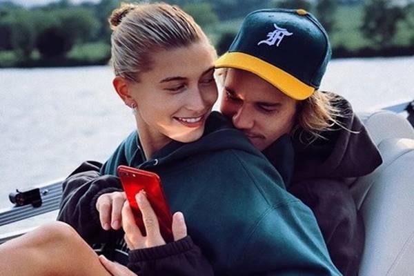 Hailey Baldwin dan Justin Bieber - Instagram@haileybaldwin