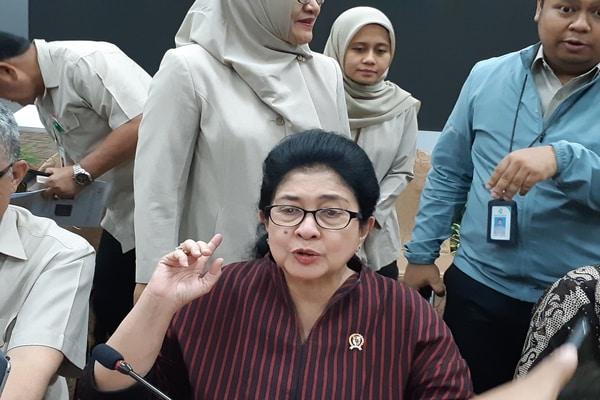 Menteri Kesehatan Nila F. Moeloek di Gedung Kemenkes, Jakarta Selatan pada Senin (30/9 - 2019)