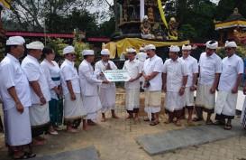 BPD Bali Serahkan Dana Pembangunan Pura di Kota Batu