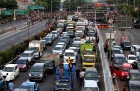 Ratusan Kendaraan Terjebak Aksi Unjuk Rasa DPR Senayan