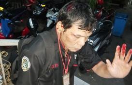 Wartawan Dipukul Hingga Berdarah Saat Rekam Keributan di Polda Metro Jaya