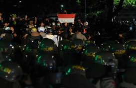 Demo di Surakarta, 4 Polwan Terluka