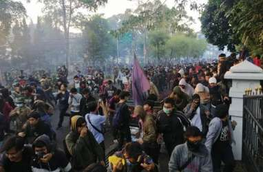 Polisi Tahan Dua Residivis, Diduga Kompori Massa Unjuk Rasa di Bandung