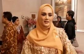Pelantikan Anggota DPR, Mulan Jameela Kenakan Baju Bodo Rancangan Didiet Maulana