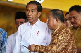 Gantikan Puan, Jokowi Tunjuk Darmin Nasution Jabat…