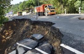 Perbaikan Jalan Longsor di Pekanbaru-Dumai Diperkirakan 2 Bulan