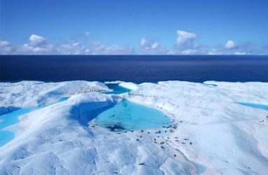 Gunung Es Setebal 210 Meter Terlepas dari Antartika