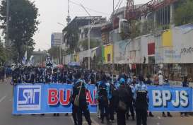 Demo Buruh Padati Area Sekitar Gedung DPR