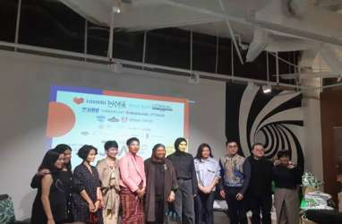 Absen 5 Tahun, Oscar Lawalata Meriahkan Jakarta Fashion Week 2020