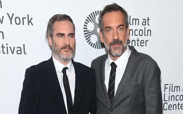 Joaquin Phoenix (kiri) dan Todd Phillips (kanan) - Hollywood Reporter