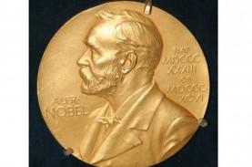 Panggilan Telepon Jam 5 Pagi di Nomor Penerima Nobel…