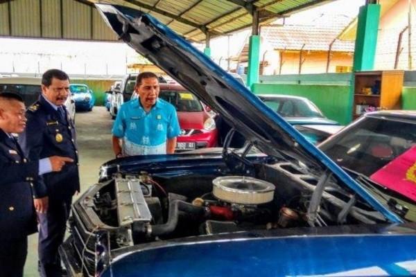Bea Cukai Kalbagbar Terima Limpahan 6 Unit Mobil Sport Mewah Ilegal dari Polda Kalbar