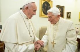 Pembuat Film Two Popes Berharap Paus Fransiskus Terhibur