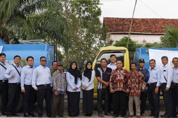 Aksi Peduli Masyarakat, Bea Cukai Sampit Salurkan Air Bersih ke Masyarakat Kalimantan