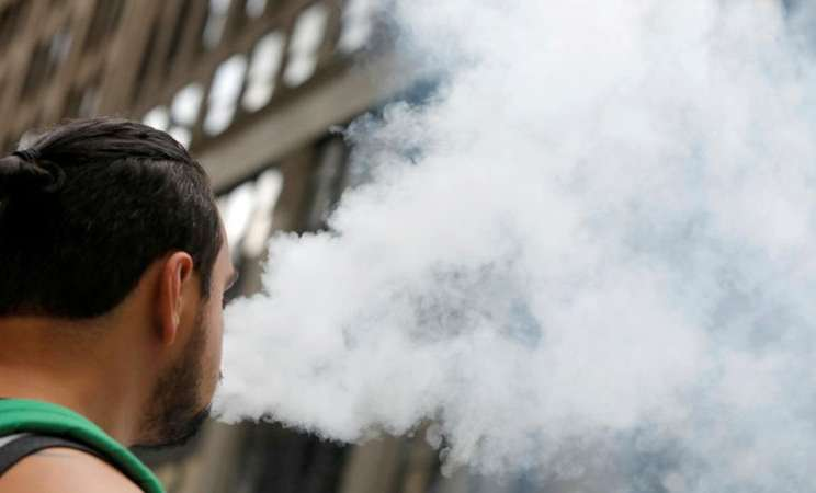 Rokok elektrik - Reuters