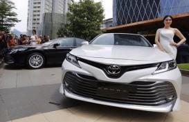 PENJUALAN SEDAN : Toyota Ngebut, Honda Mulai Ngegas