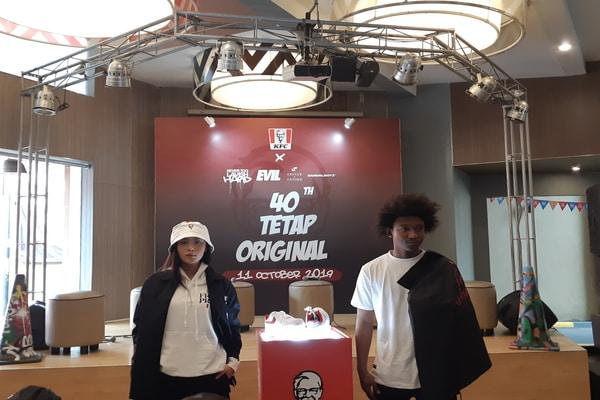 Presentasi produk fashion streetwear kolaborasi dengan KFC di KFC Kemang, Jakarta Selatan pada Jumat (11/10/2019) - Bisnis.com/Ria Theresia Situmorang
