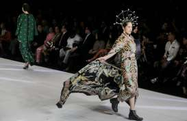Membalut Borneo Dalam Indonesia Fashion Week 2020