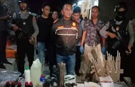 Densus 88 Antiteror Temukan Cairan Kimia di Rumah Tersangka Teroris di Cirebon