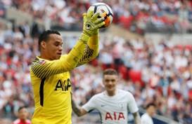 Tottenham Hotspur Perbarui Kontrak Kiper Kedua Michel Vorm