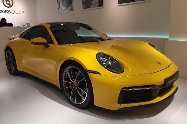 Porsche 911 Carrera S - Bisnis/Ilman A. Sudarwan