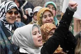 Hasil Riset, 1 dari 4 Wanita Muslim Melakukan Perjalanan…