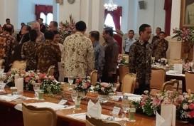 Ketika Jokowi-JK 'Berkokok' di Depan Para Menteri
