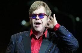 """Otobiografi """"Me"""": Elton John Tetap Bermusik Meski Sedang Sakit"""