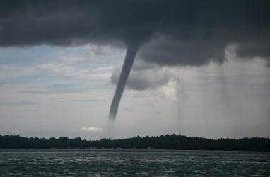 BMKG Ingatkan Potensi Puting Beliung & Angin Kencang