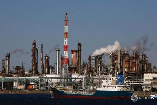 Ilustrasi kilang minyak. - Reuters