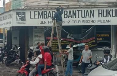 Polri Bantah Bom Molotov di LBH Medan Terkait Kasus Golfrid Siregar