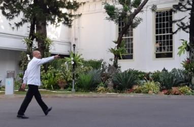 Kabinet Jokowi-Ma'ruf Amin : Acungkan Jempol, Teten Masduki Masuki Kompleks Istana