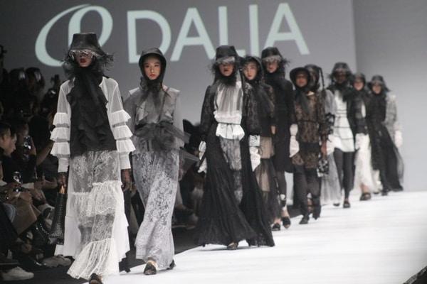 Pameran fashion show Daliatex di panggung fashion tent Jakarta Fashion Week 2020 / Dok. Daliatex