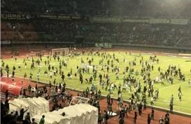 Persebaya Ditekuk PSS, Bonek Rusuh di Dalam Stadion Gelora Bung Tomo