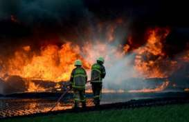 KCIC Bayar Ganti Rugi kepada Warga Terdampak Kebakaran Pipa Pertamina