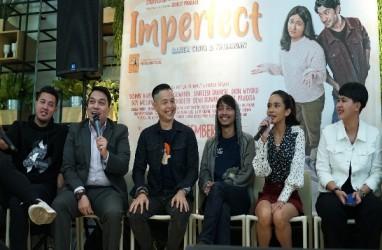 4 Musisi Ini Keroyokan Garap Soundtrack Film Imperfect: Karir, Cinta dan Timbangan