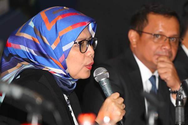 Direktur Utama PT Jasa Marga Tbk Desi Arryani (kiri)  dan Direktur Keuangan Donny Arsal memberikan keterangan seusai rapat umum pemegang saham (RUPS) tahunan, di Jakarta, Selasa (10/4/2018). - JIBI/Abdullah Azzam