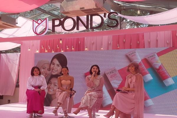 Press Conference POND'S Skin Perfecting Cream di SCBD, Jakarta Selatan pada Jumat (8/11/2019) - Bisnis.com - Ria Theresia Situmorang