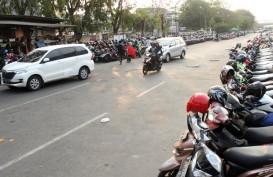Juru Parkir Indomaret di Bekasi Himpun Rp500.000 Per Hari
