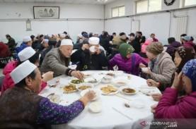 Muslim Etnis Hui China Rayakan Maulid Nabi di Masjid…