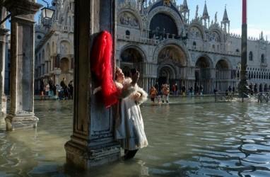Venesia Alami Banjir Terbesar Sejak 50 Tahun Terakhir, Ini Foto-fotonya