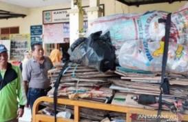 Warga Kota Bekasi Bayar PBB Pakai Sampah